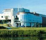 Areál SB Centrum je umístěn stranou ruchu města v zeleni u vodní nádrže